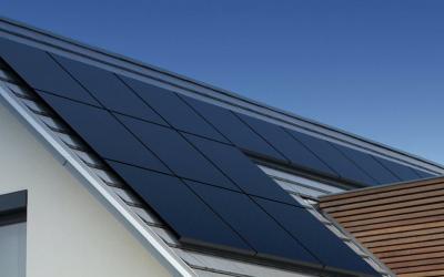 Hoeveel CO2 bespaar je met zonnepanelen?